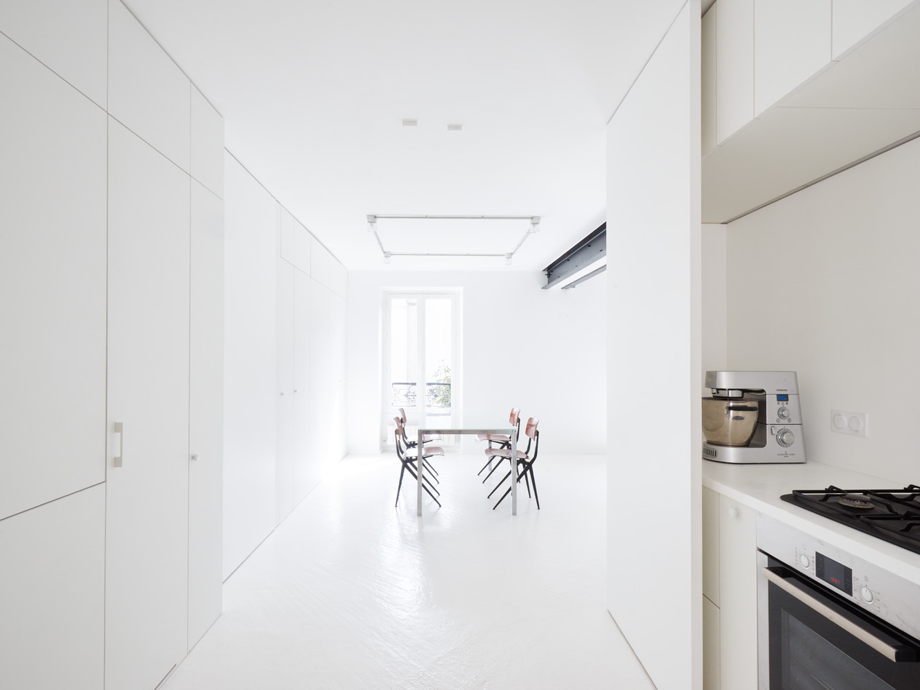 cent15_architecture_blanc_blanc_blanc_beton_appartement_paris_modulable