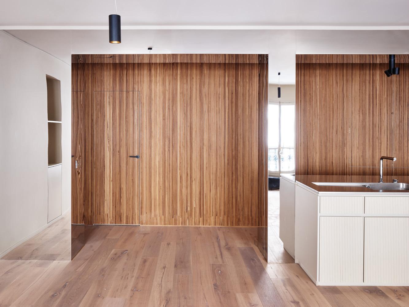 cent15_architecture_bureaux_renovation_bois_teck_paris_miroir_metal_brut